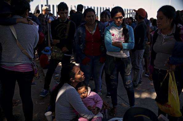 ヒューマンインタレスト「Undocumented Migrants Await Asylum Hearings in Tijuana」:写真・画像(11)[壁紙.com]