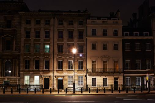 City Street「London street, England, at night」:スマホ壁紙(5)