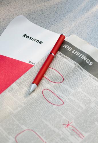 Western Script「Pen on newspaper job listings with resume」:スマホ壁紙(5)