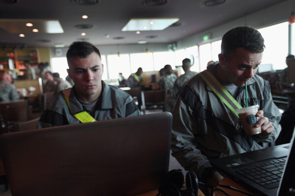 Computer Software「U.S. Forces Withdraw From Iraq Into Kuwait, After 8-Year Presence」:写真・画像(17)[壁紙.com]