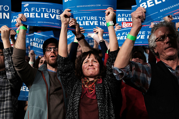 Super Tuesday「Bernie Sanders Holds Super Tuesday Campaign Rally In Vermont」:写真・画像(6)[壁紙.com]