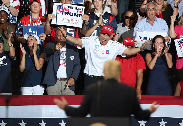 Bestpix「Donald Trump Hold MAGA Campaign Rally In Southwest Florida」:写真・画像(1)[壁紙.com]