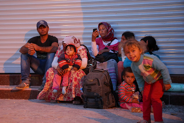 Stringer「Refugees Flee Syria As ISIS Advances On Kobani」:写真・画像(1)[壁紙.com]