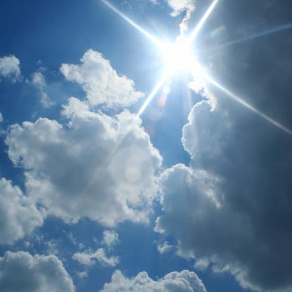 黒点「sunny クラウディ空」:スマホ壁紙(14)