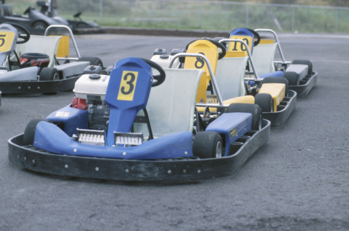 Motor Racing Track「Rows of numbered go-carts on racetrack」:スマホ壁紙(4)