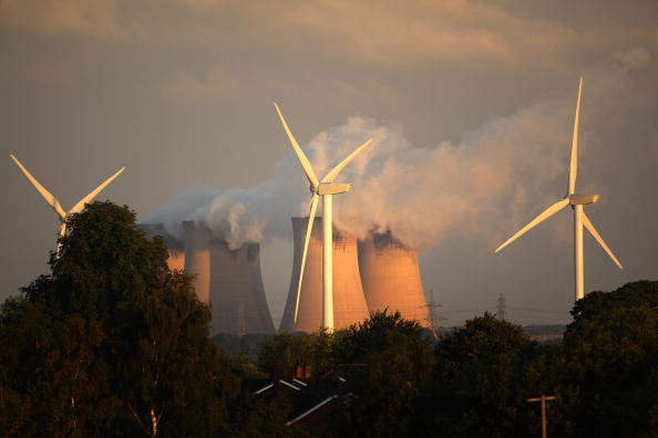 Yorkshire - England「Wind Turbines Erected Next To Europe's Biggest Coal Powered Power Station」:写真・画像(1)[壁紙.com]