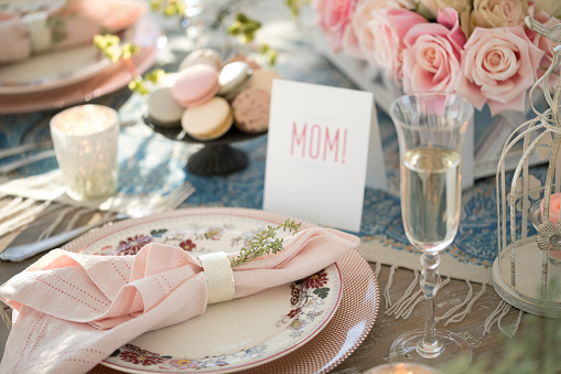 Mother's Day「Elegant Mother's Day Dining Table」:スマホ壁紙(13)