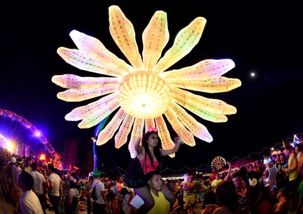 EDC「17th Annual Electric Daisy Carnival - Day 1」:写真・画像(2)[壁紙.com]