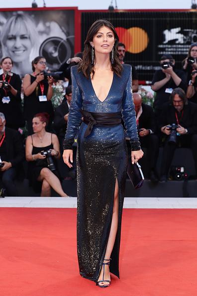 "Sequin Dress「""Martin Eden"" Red Carpet Arrivals - The 76th Venice Film Festival」:写真・画像(10)[壁紙.com]"