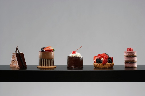 Raspberry「Table set with tempting desserts」:スマホ壁紙(14)