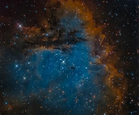 星空「NGC 281, the Pacman Nebula.」:スマホ壁紙(8)