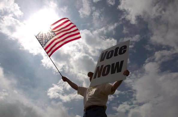 選挙「Voters Head To The Polls In Alabama's Republican Primary」:写真・画像(5)[壁紙.com]