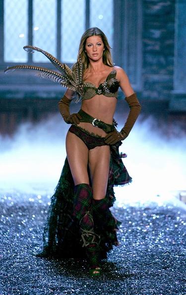 ヴィクトリアズ・シークレット「The Victoria's Secret Fashion Show - Show」:写真・画像(14)[壁紙.com]