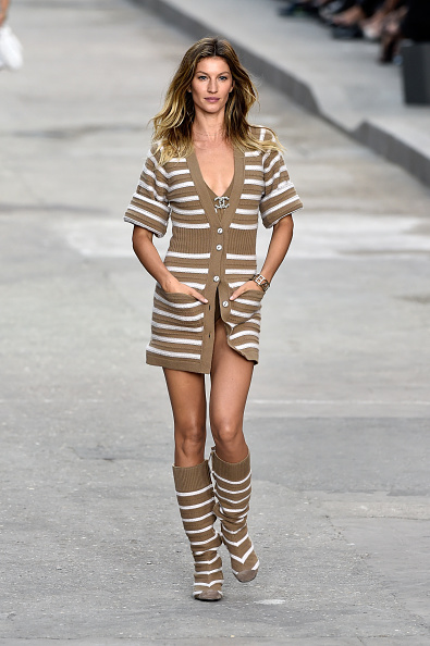 Striped「Chanel : Runway - Paris Fashion Week Womenswear Spring/Summer 2015」:写真・画像(10)[壁紙.com]
