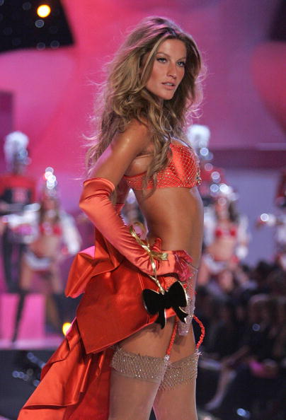 Victoria's Secret「The Victoria's Secret Fashion Show - Runway」:写真・画像(19)[壁紙.com]