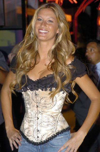Salad「Gisele Bundchen Presents The Victoria's Secret Fashion Show Exhibit : Ten Years of Sexy」:写真・画像(14)[壁紙.com]