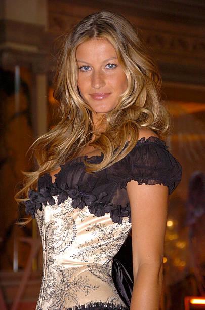 Gisele Bundchen Presents The Victoria's Secret Fashion Show Exhibit : Ten Years of Sexy:ニュース(壁紙.com)