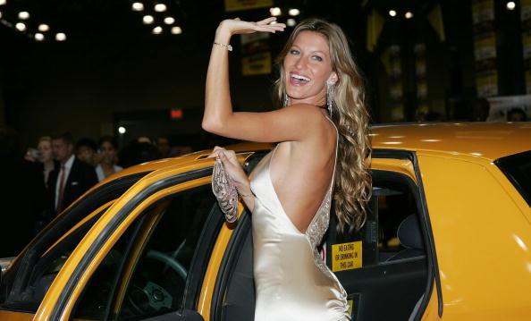 """Gisele Bundchen「""""Taxi"""" Film Premiere」:写真・画像(13)[壁紙.com]"""