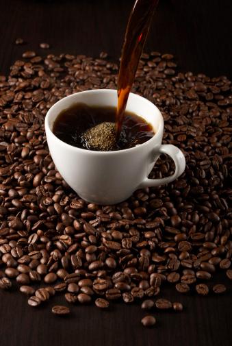 Pouring「Pouring fresh coffee」:スマホ壁紙(14)