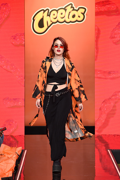 Variation「Cheetos Unveils Fan-Inspired Versions Of The #CheetosFlaminHaute Look At The House Of Flamin' Haute Runway Show + Style Bar Experience In New York」:写真・画像(1)[壁紙.com]