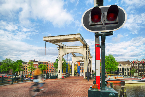 Amsterdam「Old Bridge in Amsterdam」:スマホ壁紙(15)