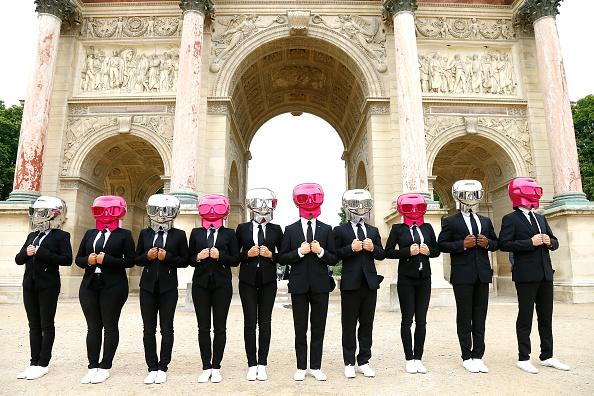 Beauty「Karl Lagerfeld + ModelCo Beauty Butlers Bring Paris To A Stand Still」:写真・画像(9)[壁紙.com]