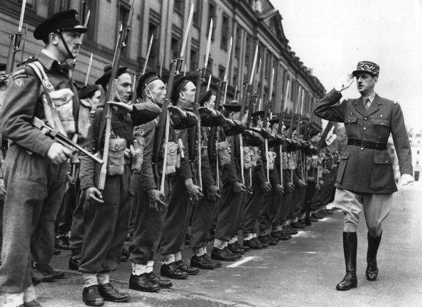French Culture「Saluting The Troops」:写真・画像(10)[壁紙.com]