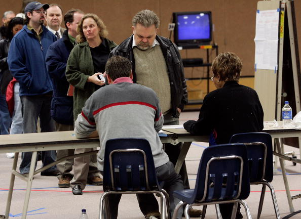 In A Row「Voters Go To The Polls In Highly-Contested Midterm Elections」:写真・画像(1)[壁紙.com]