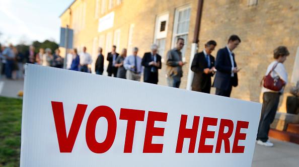 選挙「Voters In Super Tuesday States Cast Their Ballots」:写真・画像(10)[壁紙.com]