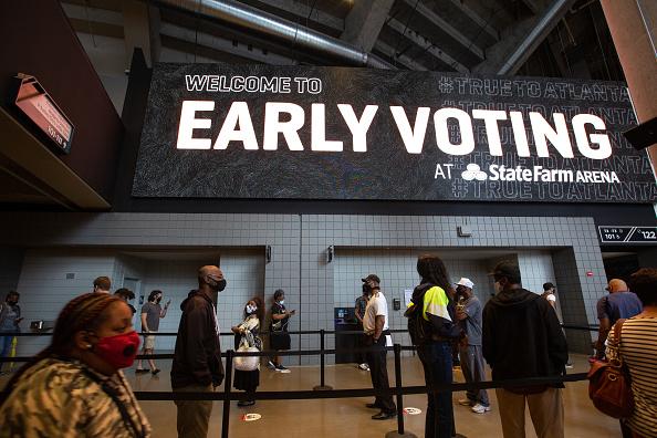 In A Row「Early Voting Begins In Georgia」:写真・画像(1)[壁紙.com]
