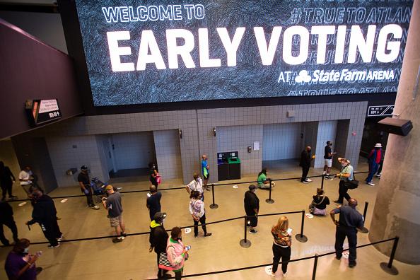 In A Row「Early Voting Begins In Georgia」:写真・画像(11)[壁紙.com]