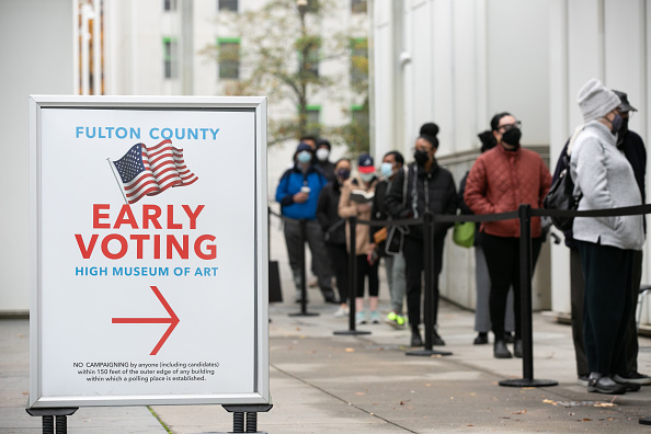In A Row「Early Voting Starts In Georgia Ahead Of Senate Runoff Elections」:写真・画像(19)[壁紙.com]