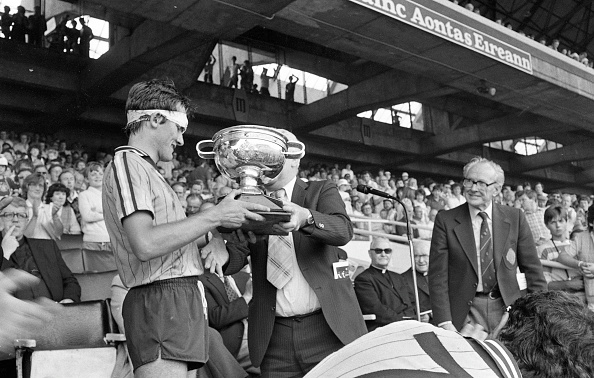 Hurling - Sport「John Murphy Holding The Hanrahan Cup After Winning the Leinster Hurling Minor 1983」:写真・画像(17)[壁紙.com]