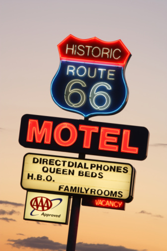 Motel「USA,  Arizona, Route 66, Seligman, Motel Neon Sign, sunset」:スマホ壁紙(1)