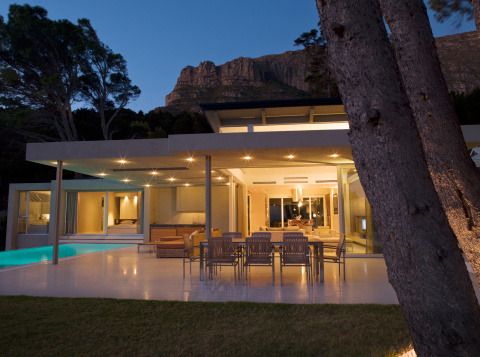 South Africa「Patio area and swimming pool of modern home」:スマホ壁紙(13)