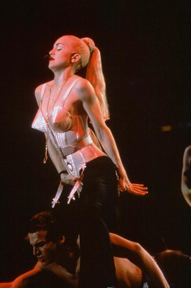 Sensuality「Madonna in Concert」:写真・画像(10)[壁紙.com]
