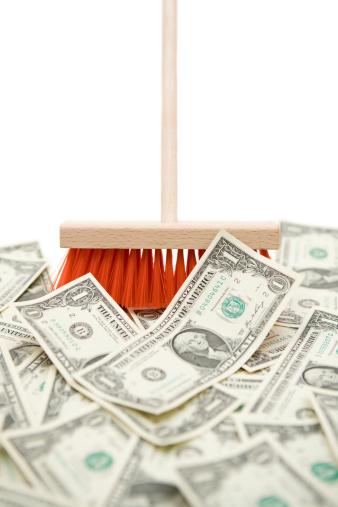Money to Burn「Sweeping Up Dollar Banknotes」:スマホ壁紙(11)
