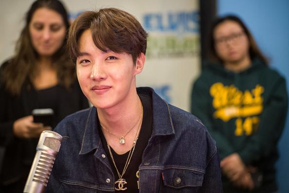 """J-Hope「BTS Visits """"The Elvis Duran Z100 Morning Show""""」:写真・画像(7)[壁紙.com]"""