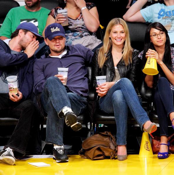 Bar Refaeli「Celebrities At The Lakers Game」:写真・画像(3)[壁紙.com]