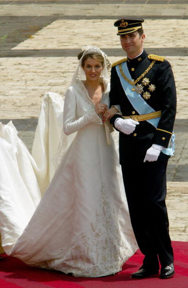 Wedding Dress「Wedding Of Spanish Crown Prince Felipe and Letizia Ortiz」:写真・画像(14)[壁紙.com]