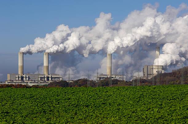 Power plant with pollution:スマホ壁紙(壁紙.com)