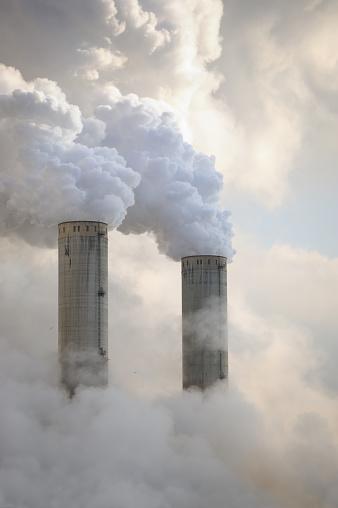 Grevenbroich「Power Plant Towers Billowing Smoke」:スマホ壁紙(11)