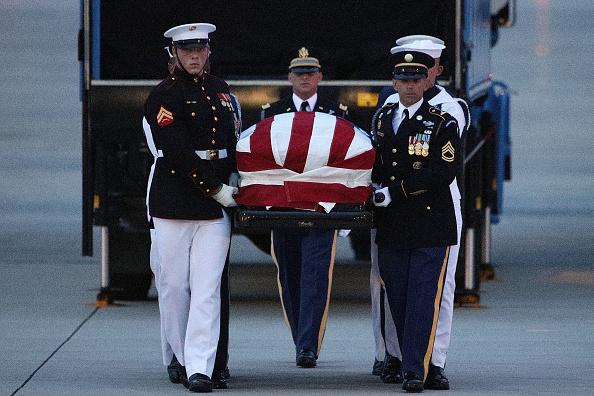 Maryland - US State「Body Of Sen. John McCain Arrives At Andrews Air Base In Maryland」:写真・画像(7)[壁紙.com]