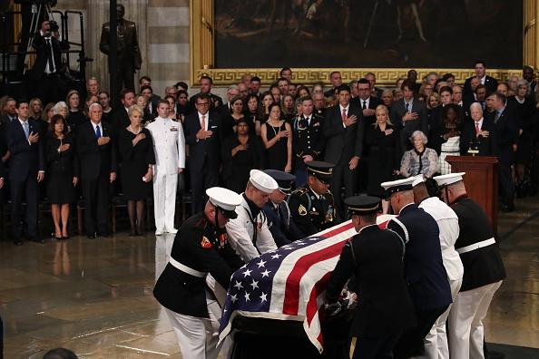 Architectural Feature「Sen. John McCain (R-AZ) Lies In State In The Rotunda Of U.S. Capitol」:写真・画像(19)[壁紙.com]