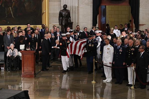 Architectural Feature「Sen. John McCain (R-AZ) Lies In State In The Rotunda Of U.S. Capitol」:写真・画像(10)[壁紙.com]