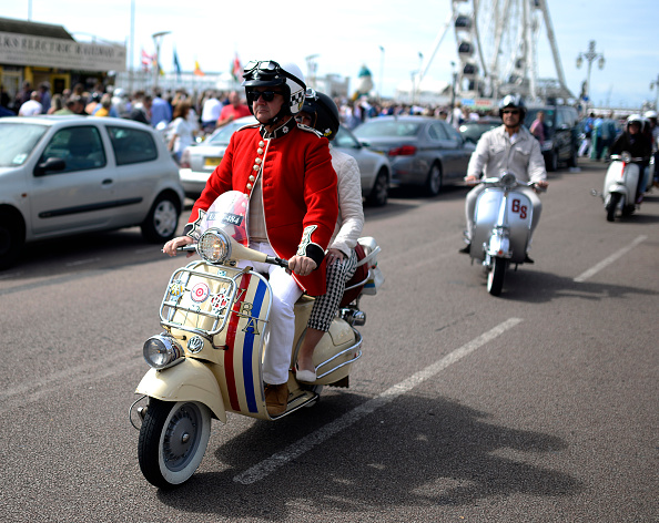 Alan Crowhurst「Scooters Gather For The Brighton Mod Weekender」:写真・画像(14)[壁紙.com]