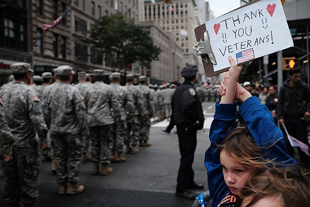 Over 20,000 March In Veterans Day Parade In New York City:ニュース(壁紙.com)