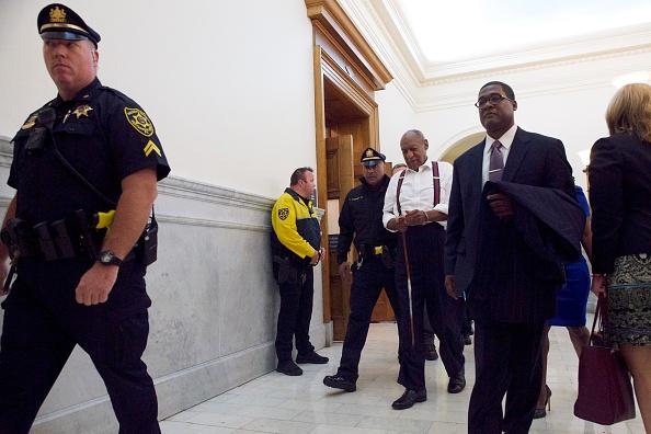 Cuff「Sentence Announced In Bill Cosby Trial」:写真・画像(18)[壁紙.com]