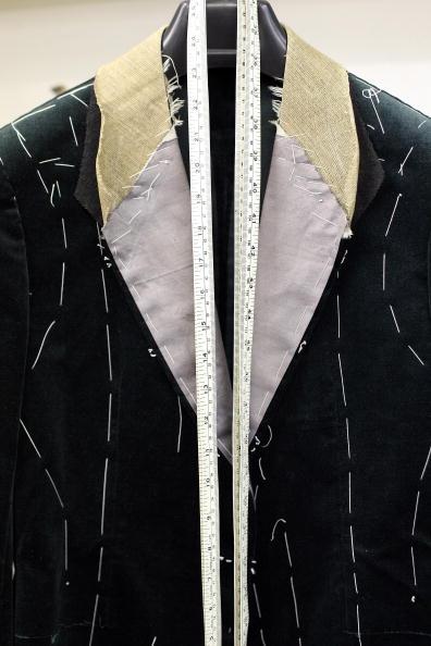Customized「Bespoke Tailors Work On Savile Row」:写真・画像(3)[壁紙.com]