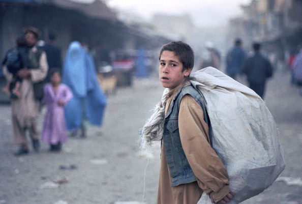 Kabul「Afghan Boy with Sack」:写真・画像(19)[壁紙.com]